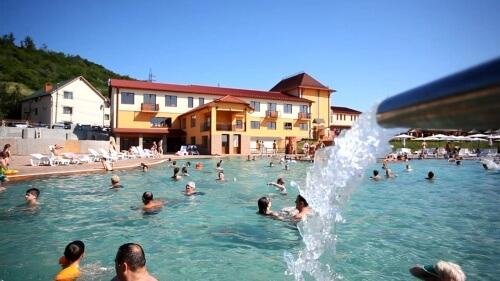 бассейн комплекса с пресной водой